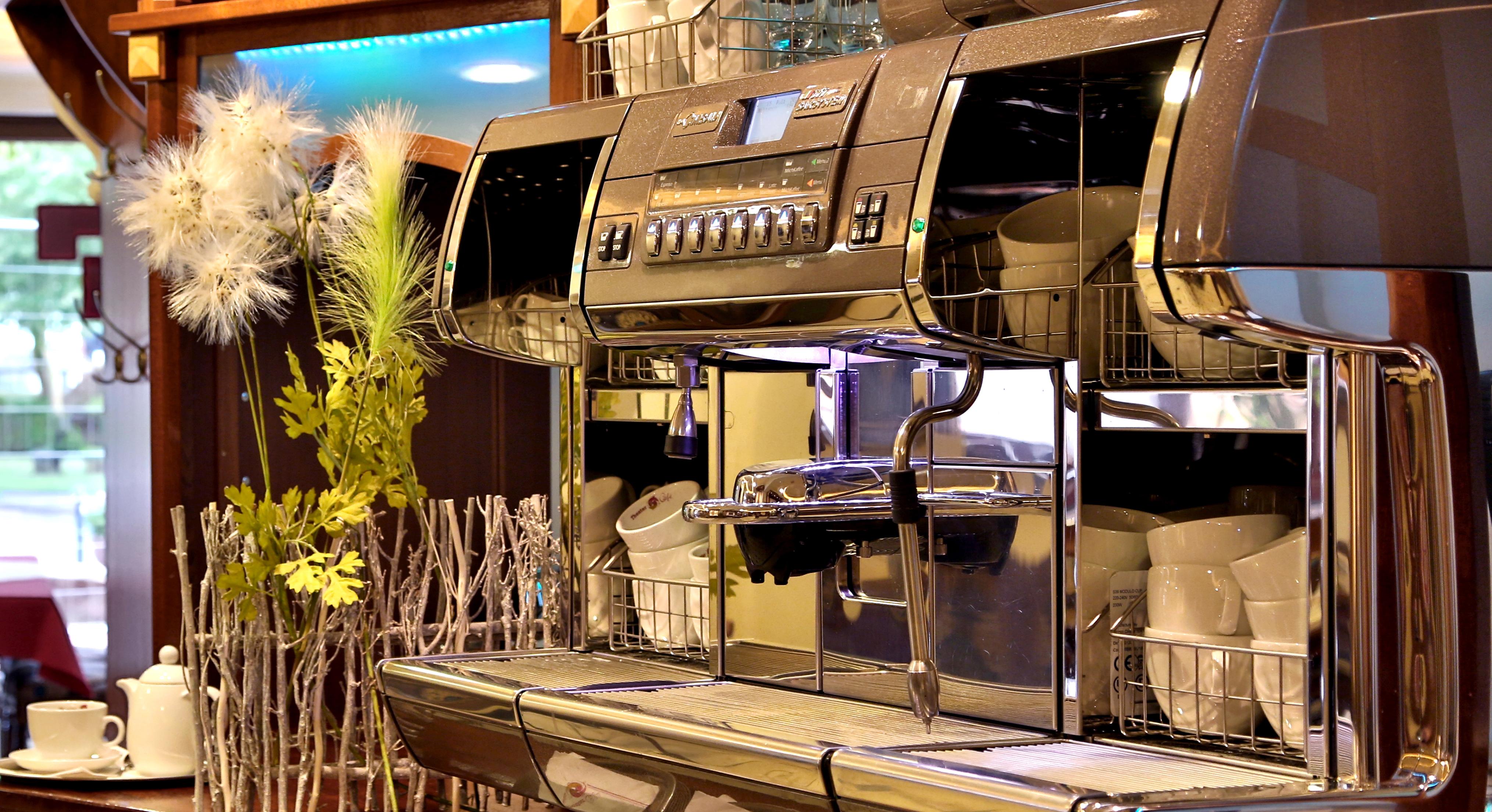 Dies ist die Italienische Kaffemaschiene im Theaterkafe Dolce Vita